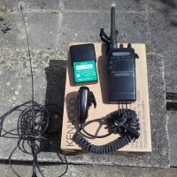 Radio Kenwood Th22E avec micro, antenne voiture , batterie de remplacement, antenne de voiture